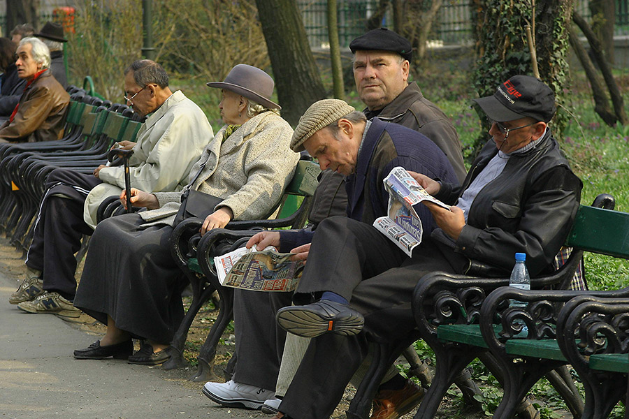 bani pentru pensionari