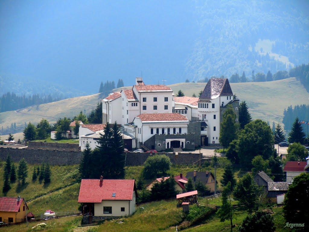 Castelul Dracula din Pasul Tihuţa