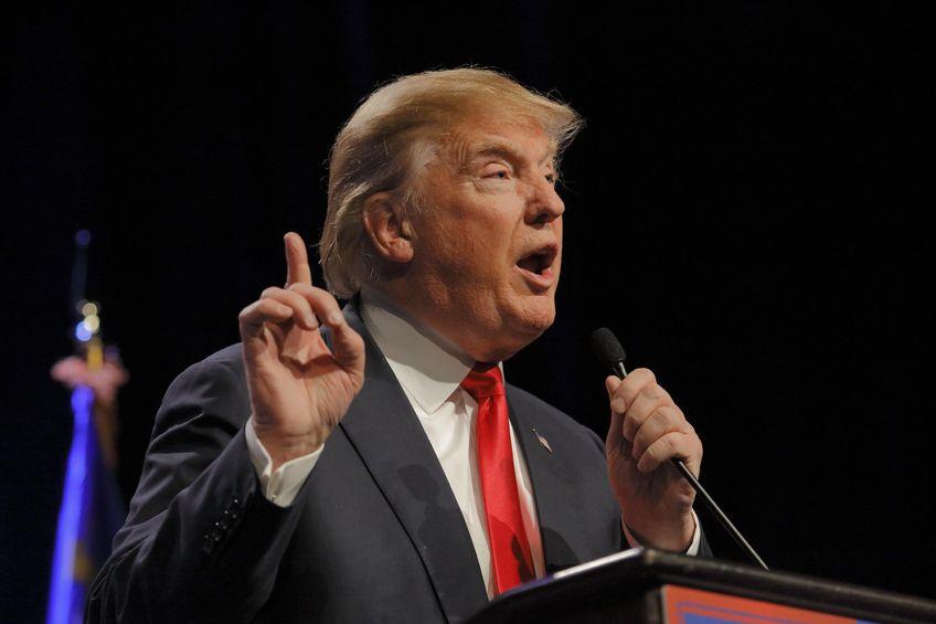 Donald Trump, criticat de NATO