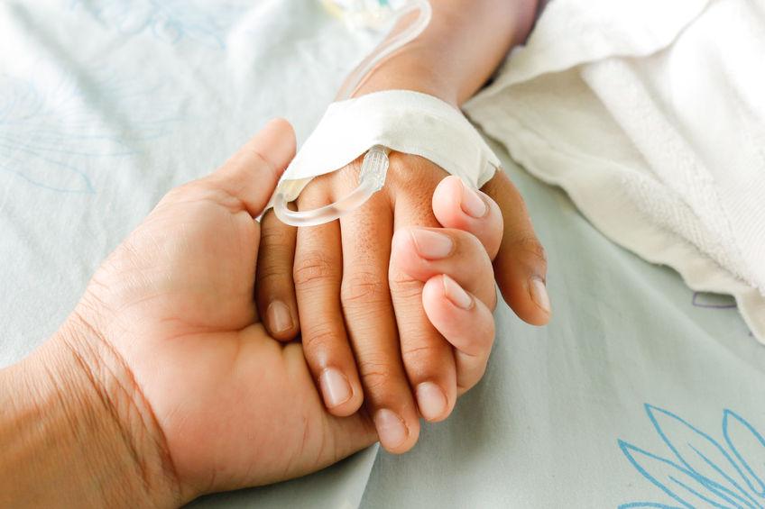 Fetiţa a ajuns în spital după ce mama ei a bătut-o crunt