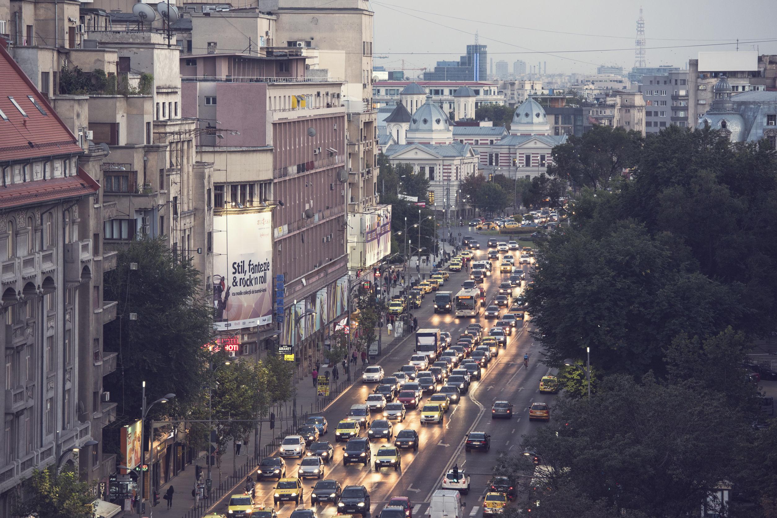 HARTA ZGOMOTULUI. Bucureștenii respiră aer poluat, în cea mai zgomotoasă capitală din UE – FOTO