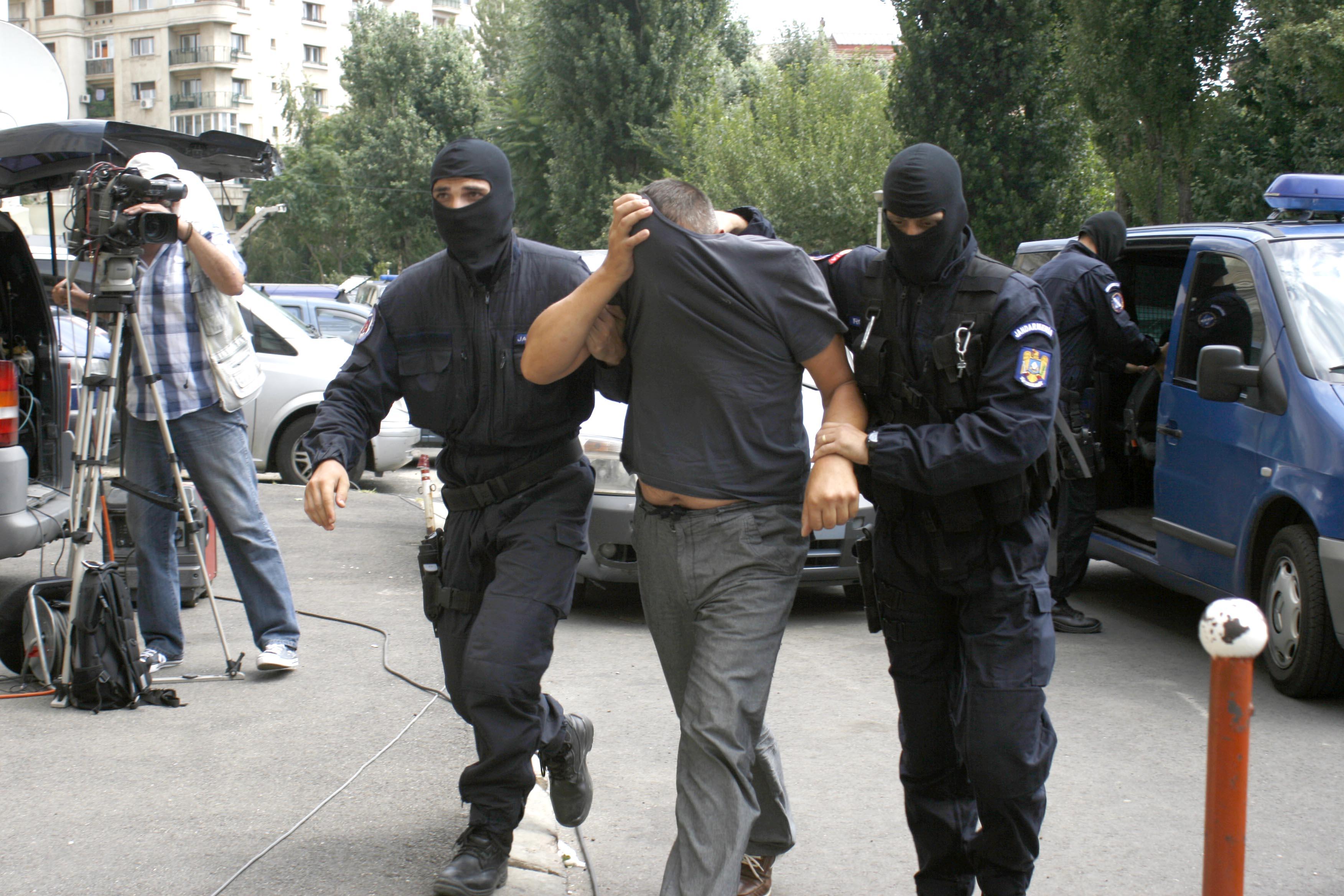Perchezitii DIICOT la Romania Tv Foto- Mediafax