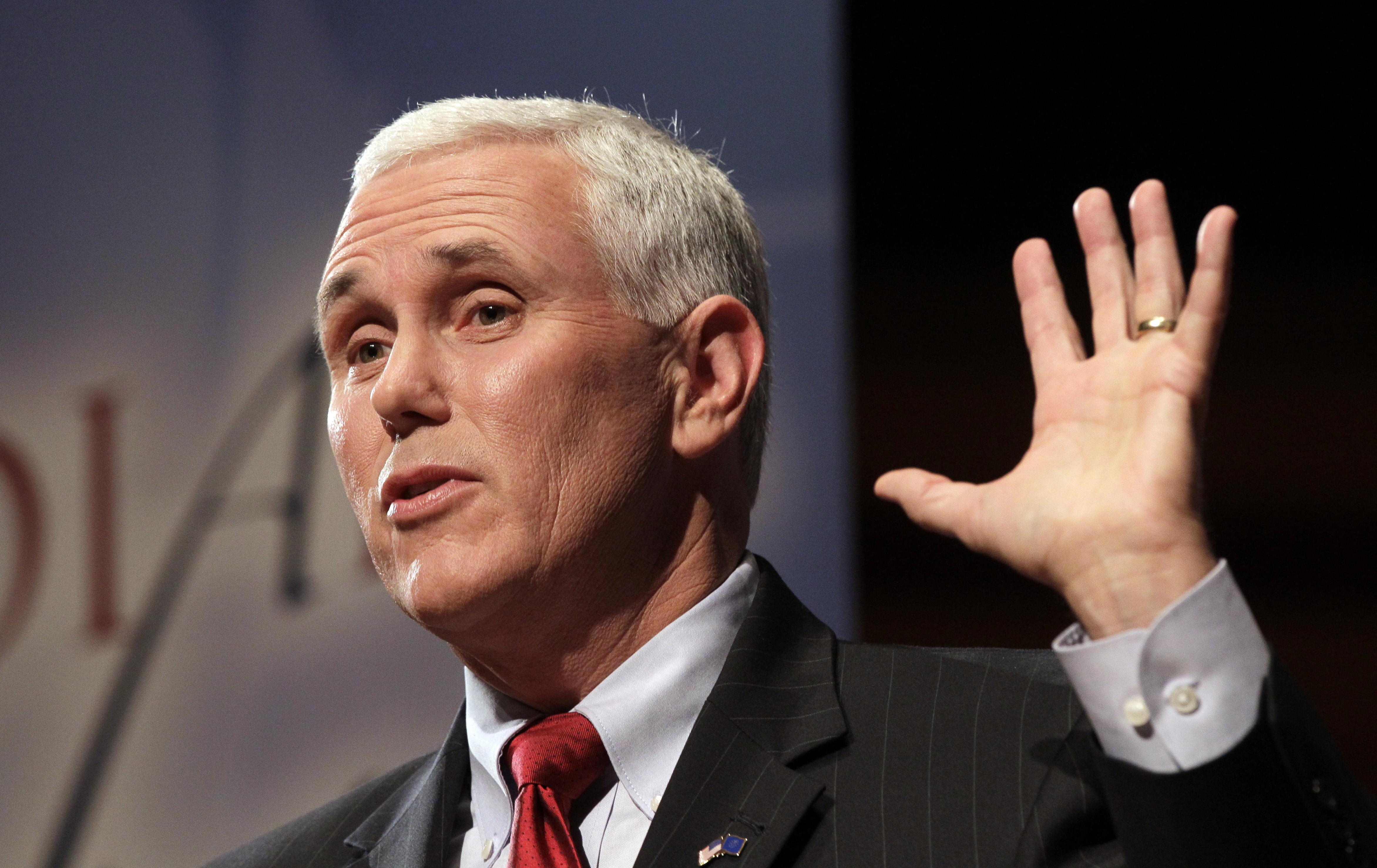 Alegeri SUA: Avionul lui Mike Pence a derapat şi a ieșit de pe pista aeroportului LaGuardia