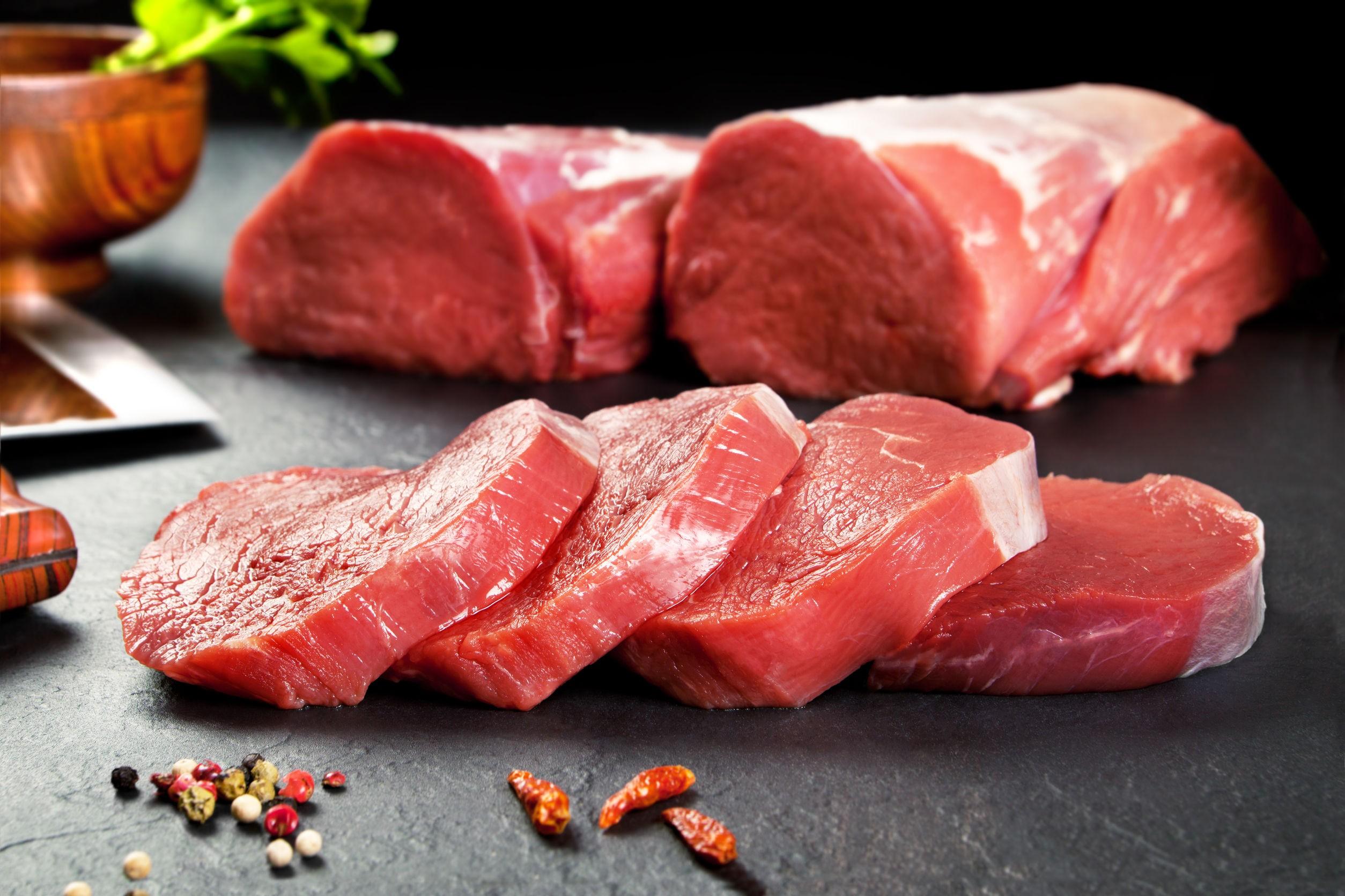 Carnea roșie ar trebui consumată cu moderație