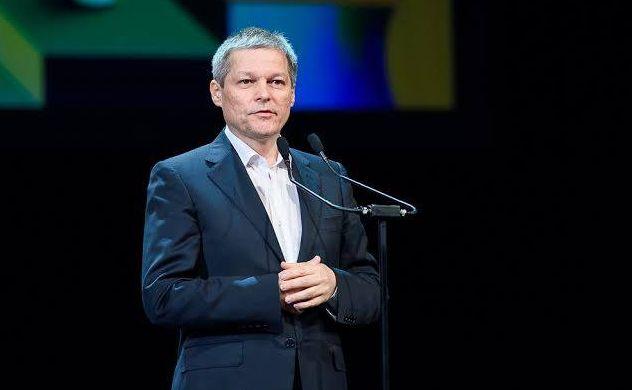 Dacian Cioloş crede că politicienii trebuie să îşi asume rolul de ...