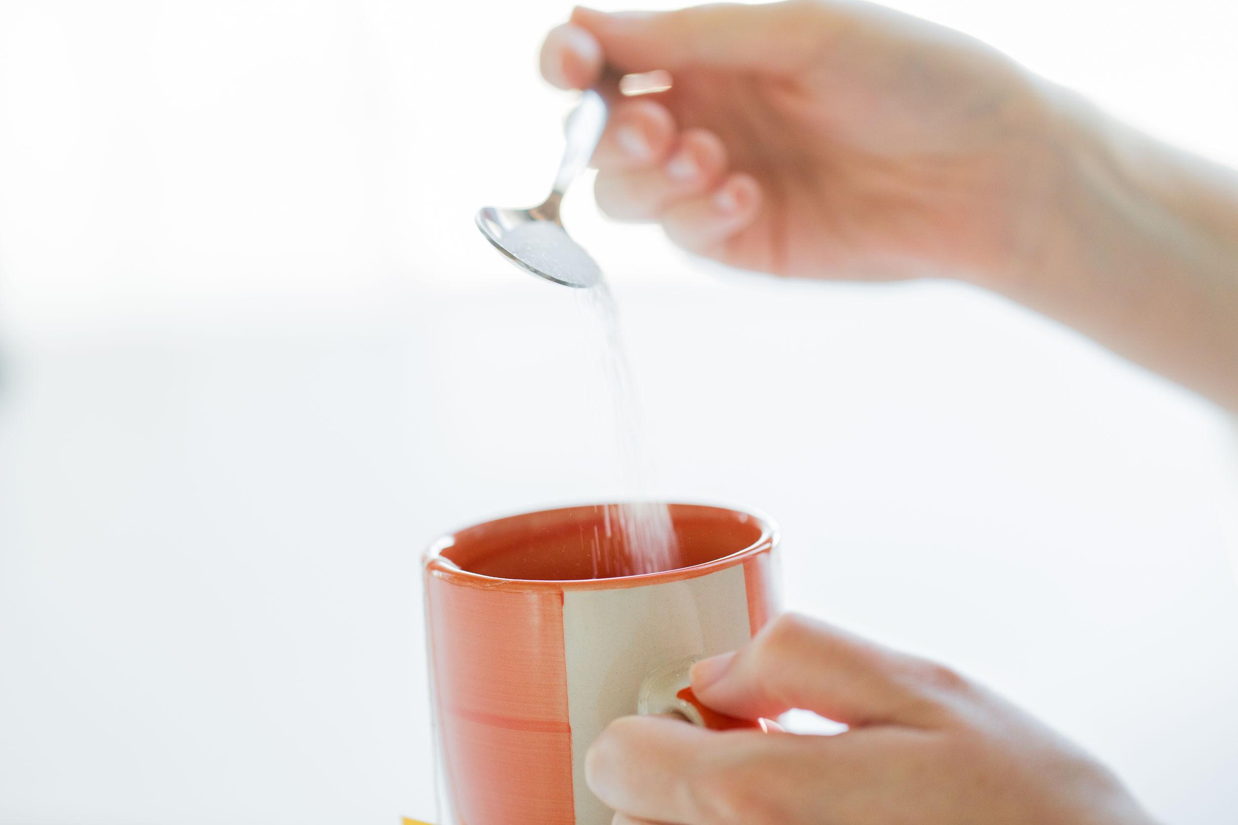 Zahărul trebuie evitat pentru o alimentație sănătoasă