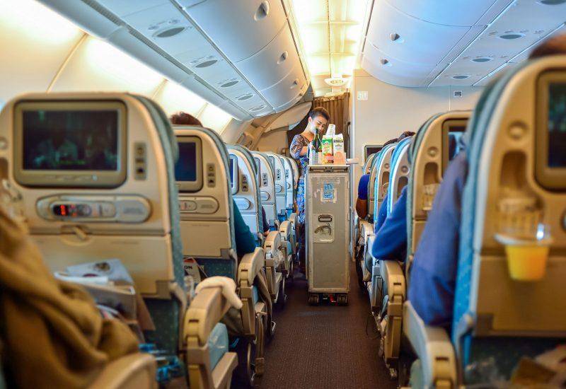 De ce însoțitorii de zbor nu beu ceai în avion