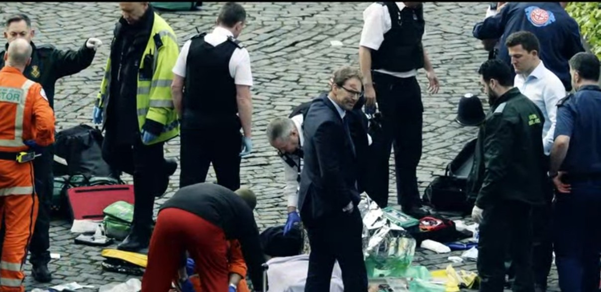 """Liderii internaţionali, mesaje de condoleanţe după atacul din Londra. """"Nu vom înceta niciodată să dovedim că iubirea triumfă în faţa urii"""""""