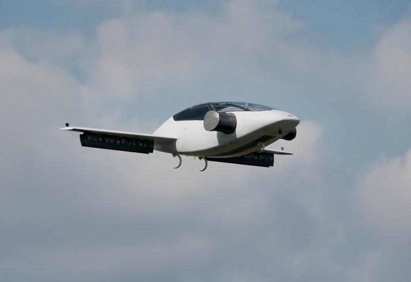 Lilium Jet este primul vehicul aerian cu decolare verticală bazat pe propulsie electrică