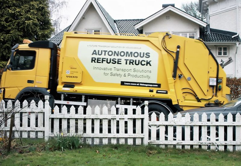Grupul suedez Volvo testează un camion autonom de gunoi
