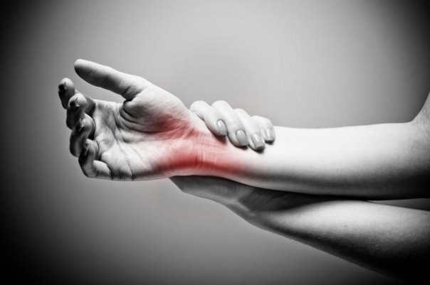 Leziuni la încheietura mâinii: complicații, tratament. Leziuni la încheietura mâinii